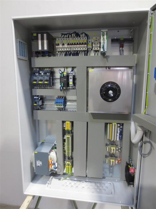 Steuerschrank für eine Wasseraufbereitungsanlage mit S7-300 und Touchpanel